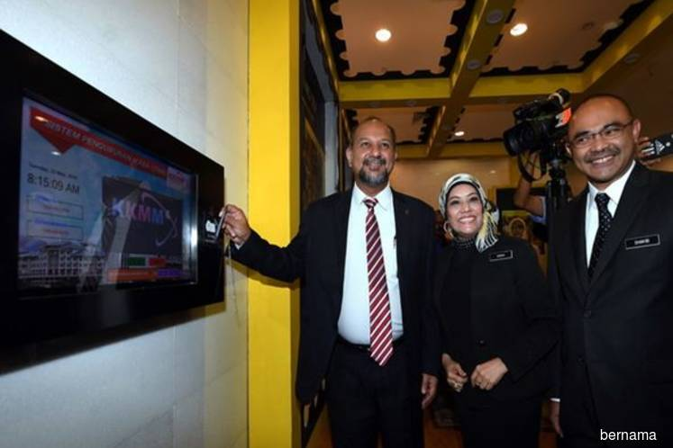 Govt Looking At Doubling Internet Speed At Half The Price: Gobind