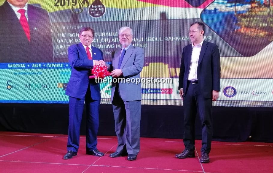 CM: S'wak govt working with established industry players to manage O&G resources effectively
