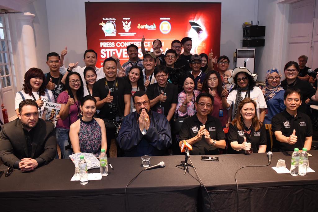 Steven Seagal bakal membuat pengambaran filem di Sarawak