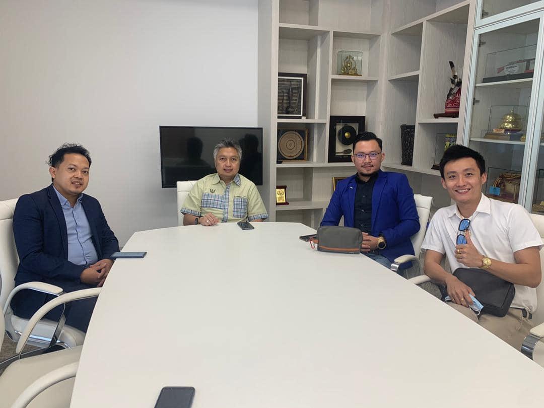 Perbincangan bersama Datuk YB Snowdan Lawan, Menteri Muda Belia & Sukan Sarawak …