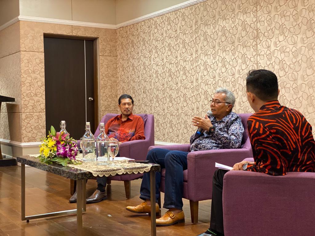 Menteri Di Jabatan Perdana Menteri (Tugas-Tugas Khas), Datuk Seri Mohd Redzuan Y…