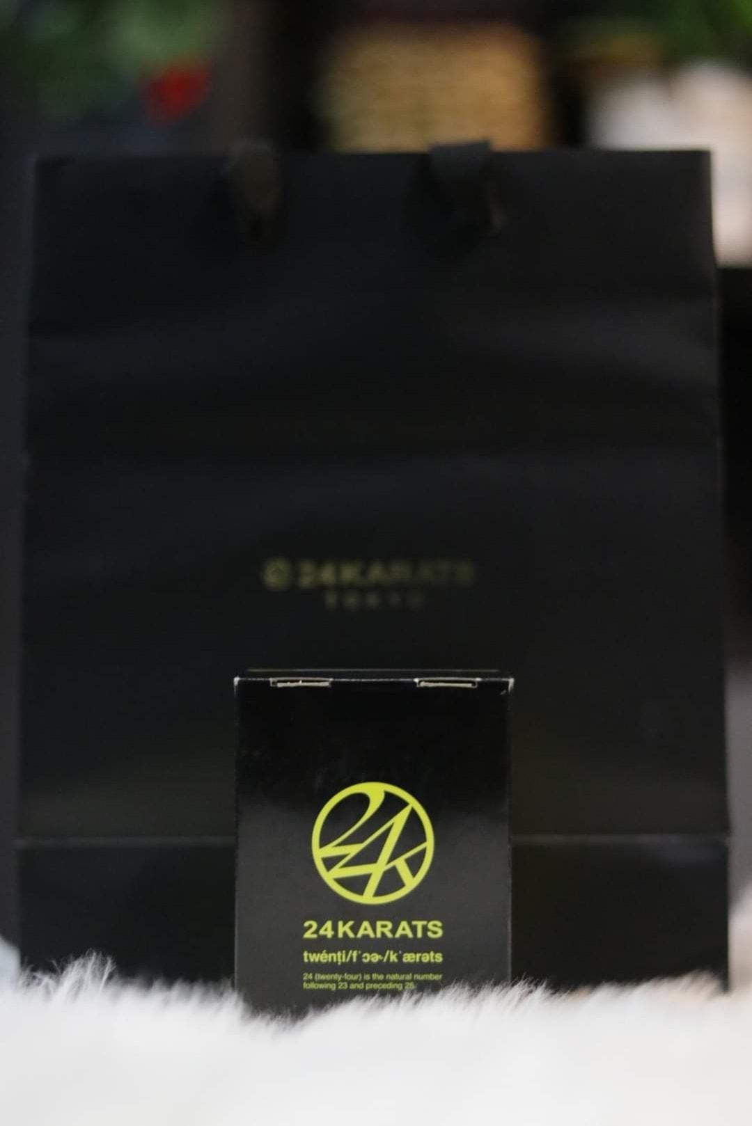 NOS 12 anniversary 24 karat DW-6900 (yellow)  Retail price 1600 x caya tryla goo…