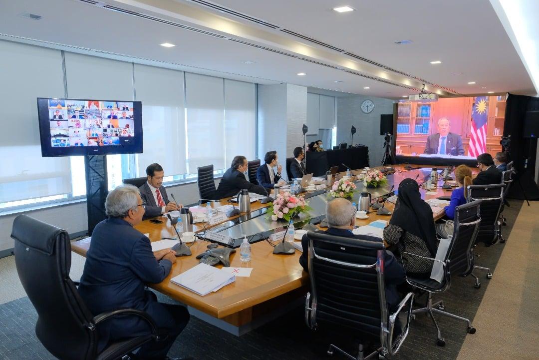 Mesyuarat pertama Majlis Kemakmuran Bumiputera (MKB) telah dipengerusikan oleh Y…