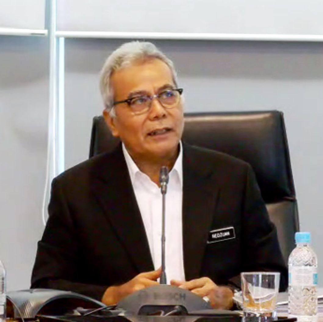 Menteri Di Jabatan Perdana Menteri (Tugas-Tugas Khas), YB Datuk Seri Mohd Redzua…