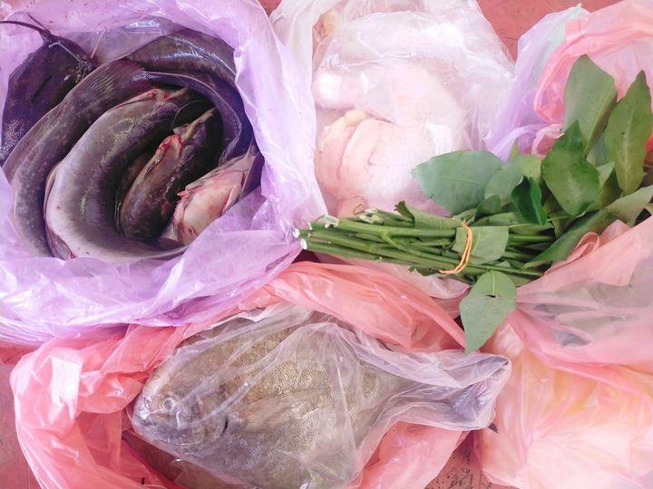 Sayur, ayam, ikan, buah dan macam-macam lagi barangan keperluan harian di www.ti…