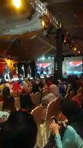 Lembaran Emas : Songket and Keringkam of Sarawak