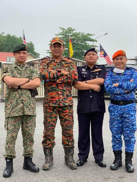 Wah! Bila tentera, bomba, polis dan pertahanan awam bergabung. Selamat menjalank…
