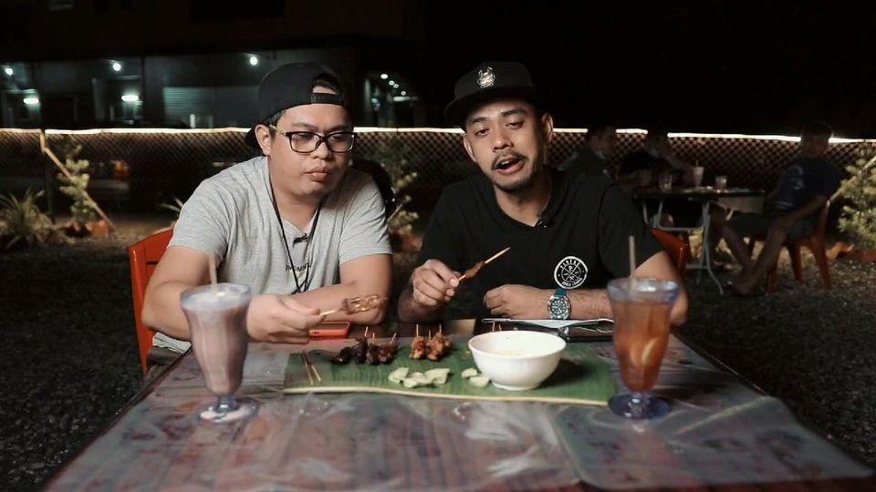 Jom intai sikit restoran Satay Kajang Sampan, Kota Samarahan dengar citer menu d…